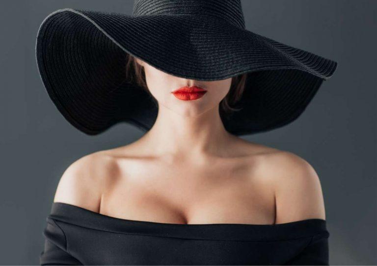 """לא רק בחו""""ל: כובעים לאירועים בגוונים של החורף"""